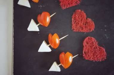 Brochettes de tomates cerises en coeurs