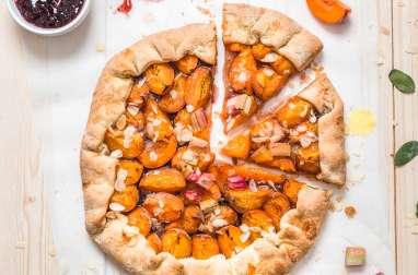 Tarte abricots et rhubarbe