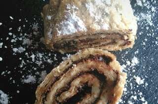 Roulé de pâte à choux aux noisettes et chocolat