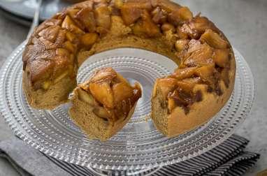 Gâteau renversé aux pommes, sucre de coco, épeautre et crème