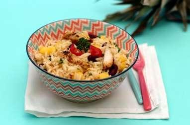 Salade de riz au poulet cajun et ananas