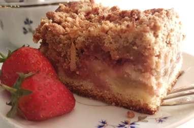 Gâteau fraise-rhubarbe façon crumble