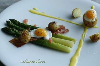 Pommes de terre grenailles de l'Ile de Ré, Asperges vertes, Lard et Oeufs de caille, sauce Hollandaise