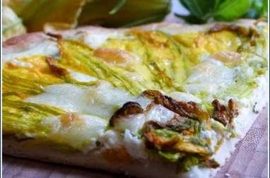 Pizza blanche aux fleurs de courgettes, basilic, ricotta et mozzarella