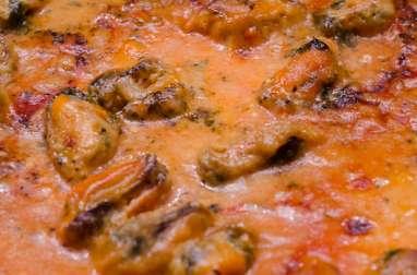 Pizza aux moules et crème de curry