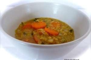 Soupe aux lentilles corail et aux carottes