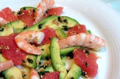 Salade fraîcheur avocat, crevettes et suprêmes de pamplemousse rose