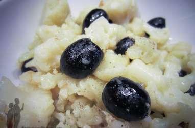 Salade de chou-fleur aux olives noires