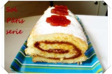 Gâteau roulé à la pâte de coing et à la confiture de lait