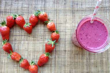 Berries and bananas smoothie