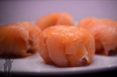 Roulés de saumon fumé au légumes et fromage frais