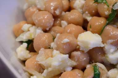 Salade de pois chiches à la coriandre et à la feta