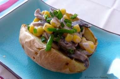 Baked potatoes aux champignons, maïs et veganaise