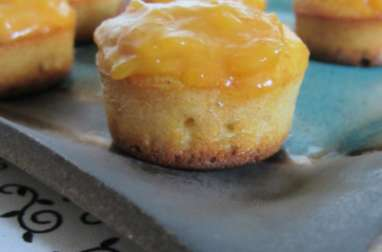 Moelleux aux amandes nappés de caramel à la mangue