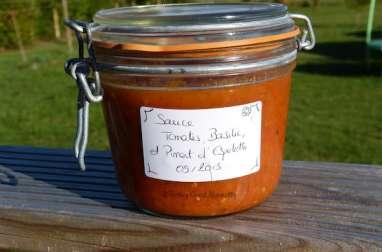 Bocal de Sauce tomate, basilic et piment d'Espelette pour l'hiver