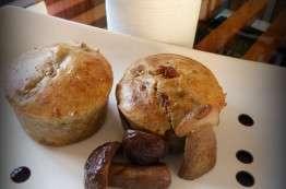 Muffins foie gras, cèpes, morilles et sel fumé