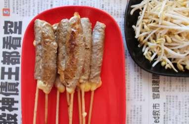 Brochettes Yakitori au boeuf et au fromage