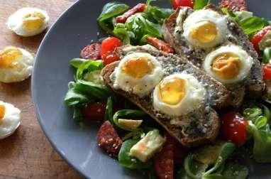 Salade de bruschetta aux oeufs de caille