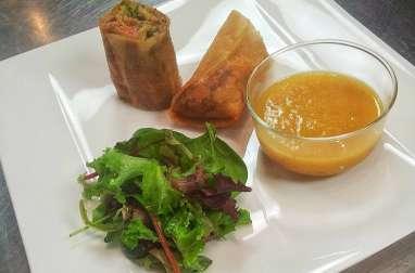 Croustillants au foie gras, chou, confit de canard, mélange 5-épices et sauce agrumes