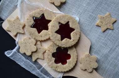 Biscuits sablés à la poudre de noisette et à la confiture