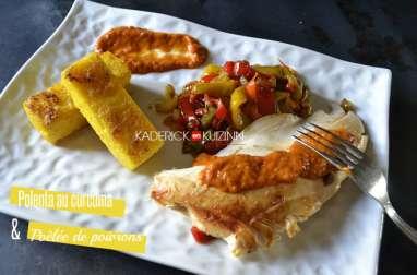 Polenta au curcuma, poêlée de poivrons et blanc de volaille à la plancha