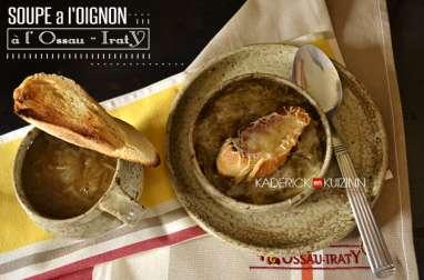 Soupe à l'oignon gratinée à l'Ossau-Iraty