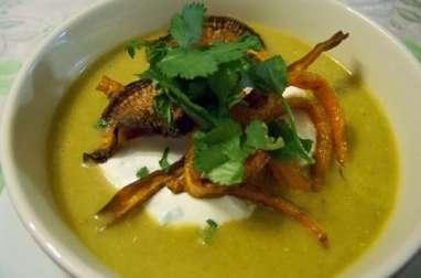 Soupe de carottes, navets boules d'or, chou pak choy, nöra et citronnelle