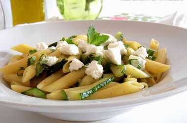 Salade de pâtes à la courgette, ricotta et menthe