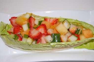 salade de fruits frais et de concombre