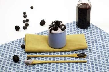 Ricotta glacée aux myrtilles et caramel de myrtilles