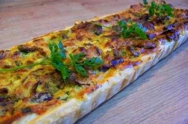 Quiche au curry, poulet, champignons shitaké, poireaux, brousse et ciboule chinoise