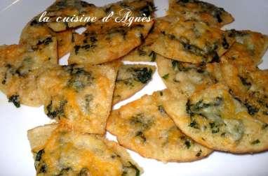pointes de pita croustillantes au parmesan et au cheddar
