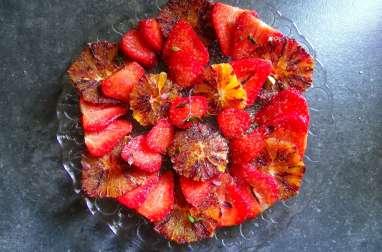 Carpaccio d'orange sanguine, fraises et thym frais