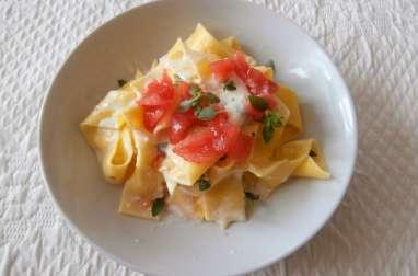 Pappardelle tomates mozzarella basilic