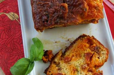 Cake au chorizo et tomates séchées