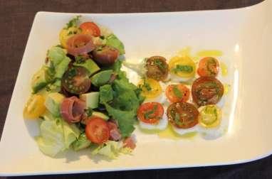 Salade pignon avocat tomate mozza