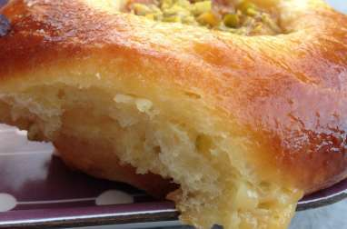 Brioches crème pâtissière fleur d'oranger et abricot caramélisé