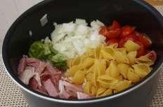 ONE PAN PASTA – Jambon, tomates cerises et pesto de courgettes