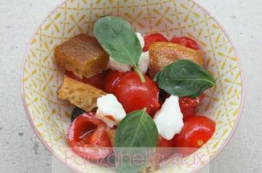 Panzanella aux tomates cerises
