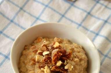 Porridge d'Automne aux Noisettes et aux Figues séchées