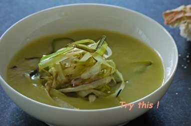Soupe d'asperges, éffilochées de poireaux