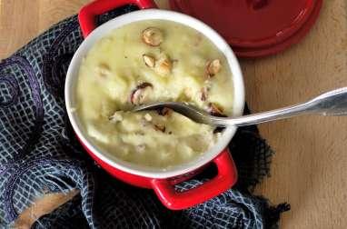 Purée de pomme de terre et courgette au Bleu de Bresse et aux noisettes