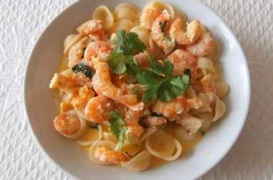 Crevettes sautées à la coriandre, curry, coco et ail et Orecchitette