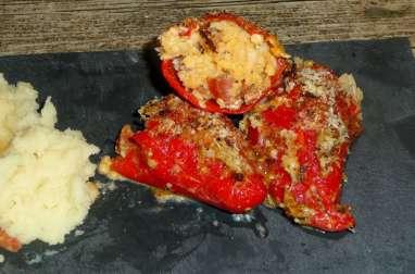 Piquillos (minis poivrons) farcis au colin et chorizo gratinés