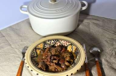 Agneau façon tajine aux dattes, champignons et épices