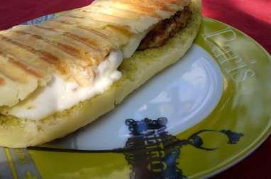 Panini méditerranéen poulet pesto