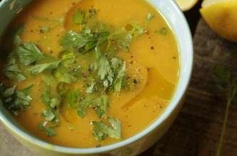 Soupe carotte, citron, gingembre et persil plat