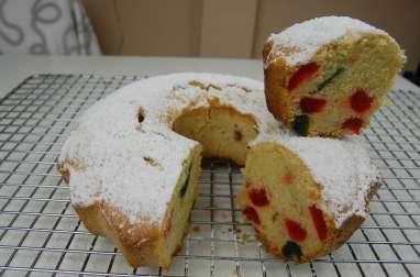 Gâteau moelleux aux cerises confites