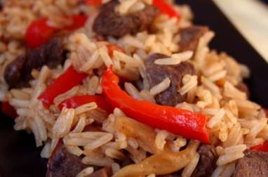 Wok de boeuf aux poivrons et riz thaï