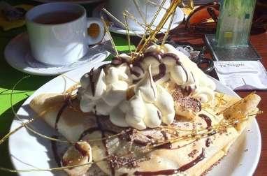 Crêpes à la noix de coco, au chocolat et aux bananes